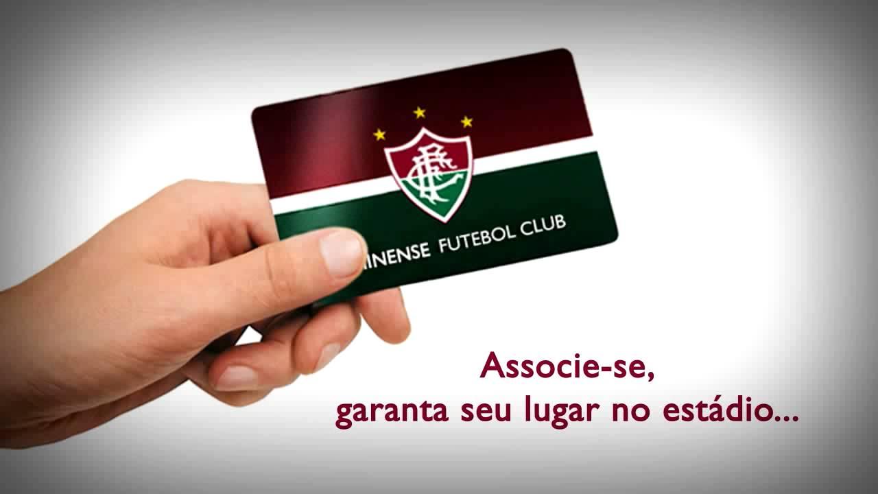 ea990add30 O reencontro entre o Fluminense e sua torcida no Maracanã foi celebrado com  uma boa vitória na estreia do Time de Guerreiros na Copa Sul-Americana.