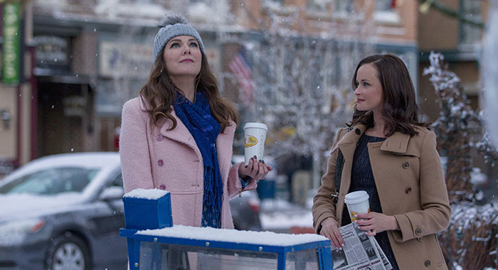 GILMORE GIRLS - Lauren Graham and Alexis Bledel (Saeed Adyani/Netflix)