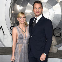 "WESTWOOD, CA - DECEMBER 14:  Actors Anna Faris (L) and Chris Pratt attend the premiere of Columbia Pictures' ""Passengers"" at Regency Village Theatre on December 14, 2016 in Westwood, California.  (Photo by Matt Winkelmeyer/Getty Images)"