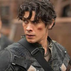 Bob Morley in The 100 (Diyah Pera/The CW)
