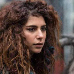 The 100 - Nadia Hilker (Diyah Pera/The CW)