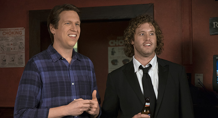 Pete Holmes, T.J. Miller in Crashing (Mary Cybulski/HBO)