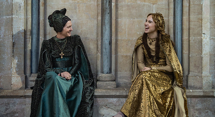 Michelle Fairley (Lady Margaret Beaufort), Suki Waterhouse (Cecily of York) The White Princess (Starz)