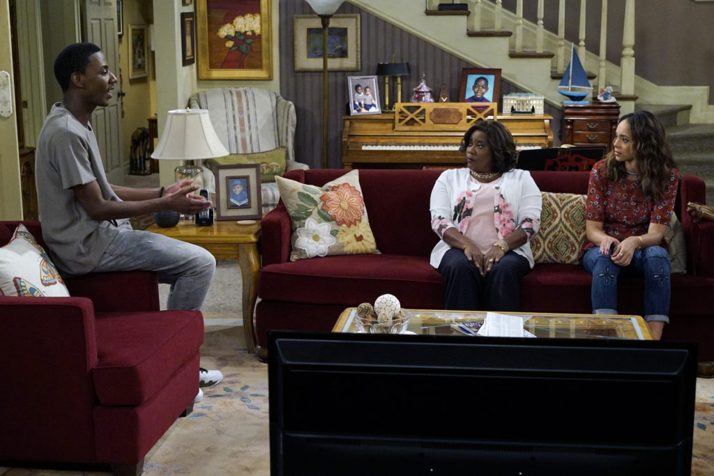 ... In This Semi Autobiographical Single Cam Comedy About A Working Class  Black Family Living In North Carolina And Their Of The Moment Living Room  Debates. Part 39