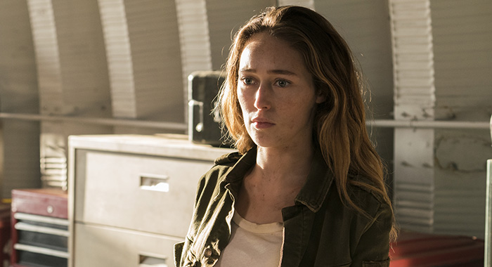 Alycia Debnam-Carey as Alicia Clark - Fear the Walking Dead _ Season 3, Episode 1 (Michael Desmond/AMC)