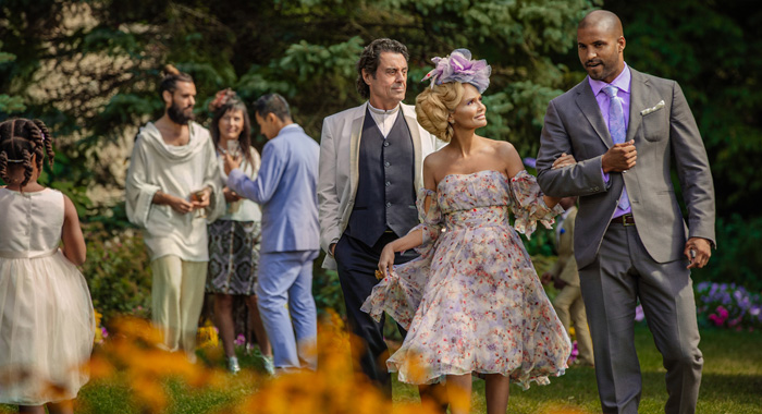 Kristin Chenoweth (Easter), Ricky Whittle (Shadow Moon), Ian McShane (Mr Wednesday) - (Starz)