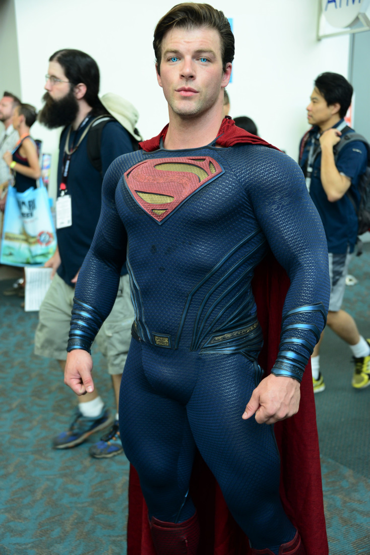 superman man of steel costume rotten tomatoes movie and tv news