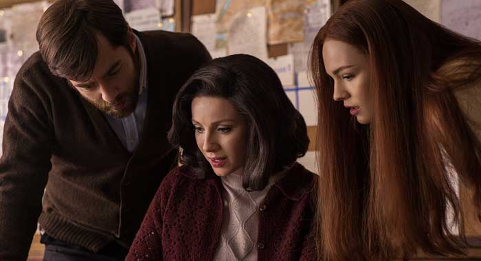 Richard Rankin, Caitriona Balfe, Sophie Skelton in season 3 of Outlander (Starz)