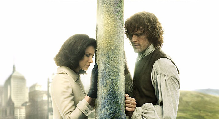 Caitriona Balfe, Sam Heughan in Outlander (Starz)