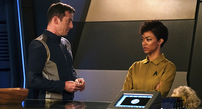 STAR TREK: DISCOVERY - Jason Isaacs as Captain Gabriel Lorca; Sonequa Martin-Green as Michael Burnham (Jan Thijs/CBS Interactive)