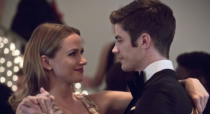 "Shantel Van Santen as Detective Patty Spivot and Grant Gustin as Barry Allen in The Flash -- ""Potential Energy"" (Katie Yu/The CW)"