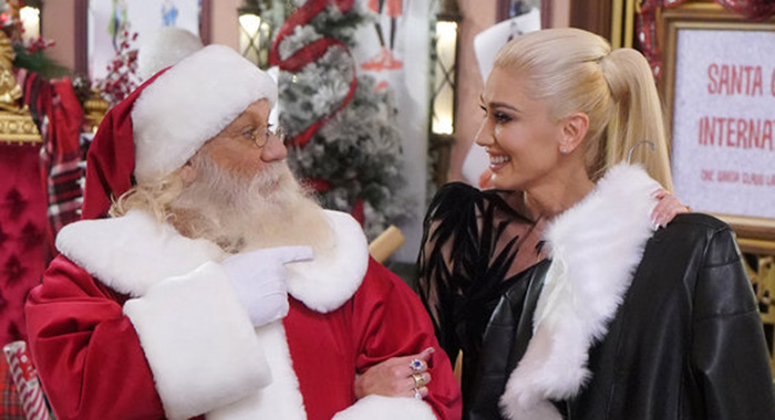 GWEN STEFANI: YOU MAKE IT FEEL LIKE CHRISTMAS (Paul Drinkwater/NBC)