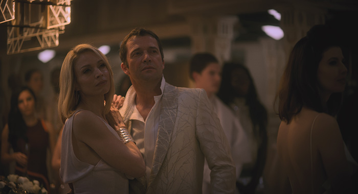 Kirstin Lehman and James Purefoy in Altered Carbon (Netflix)