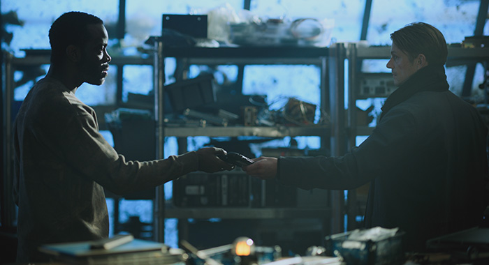 Ato Essandoh and Joel Kinnaman in Altered Carbon (Netflix)