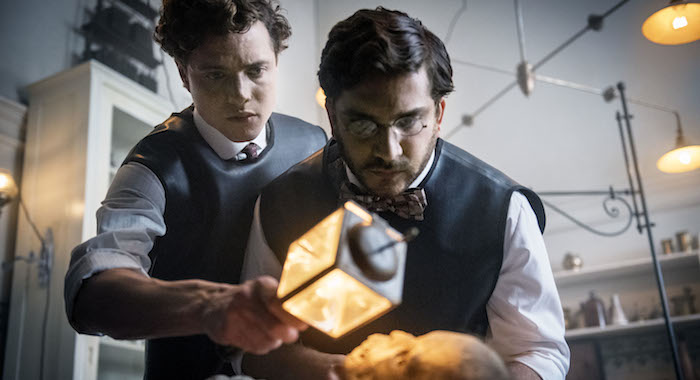 Douglas Smith and Matthew Shear in The Alienist (Kata Vermes/TNT)