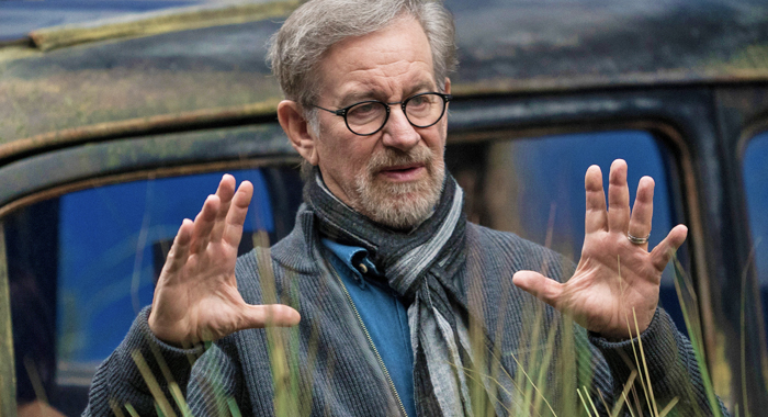 THE BFG, director Steven Spielberg, on set, 2016. ph: Doane Gregory /© Walt Disney Studios Motion Pictures /Courtesy Everett Collection