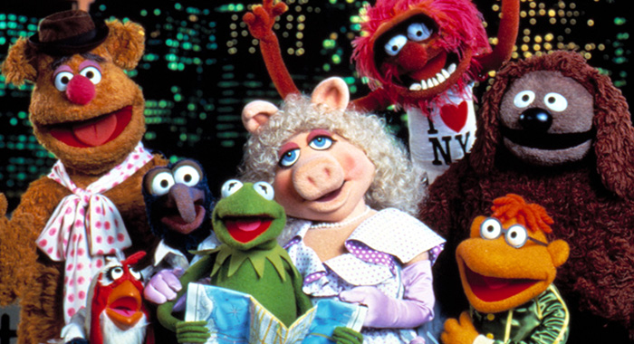 THE MUPPETS TAKE MANHATTAN, Fozzie, Camilla, Gonzo, Kermit, Miss Piggy, Animal, Scooter, Rowlf, 1984. (Everett Collection)