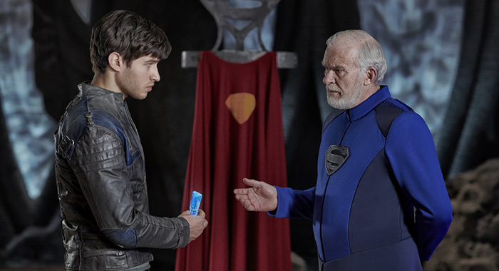 KRYPTON, season 1, (l-r) Cameron Cuffe as Seg-El, Ian McElhinney as Val-El (Gavin Bond/Syfy)