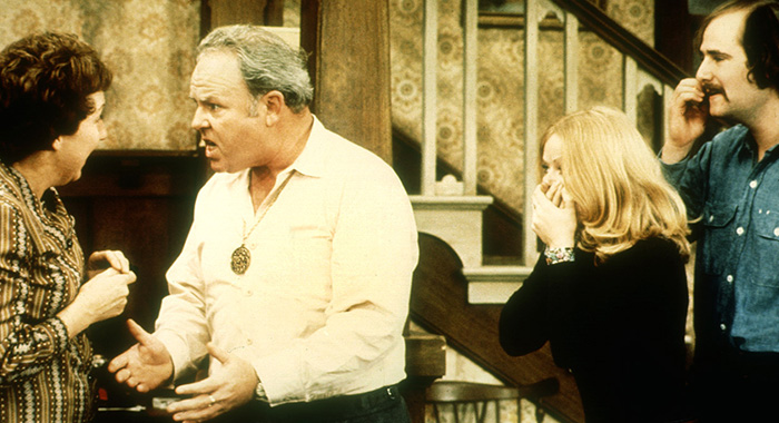 ALL IN THE FAMILY, Jean Stapleton, Carroll O'Connor, Sally Struthers, Rob Reiner, 1971-1983, argument (Courtesy Everett Collection)