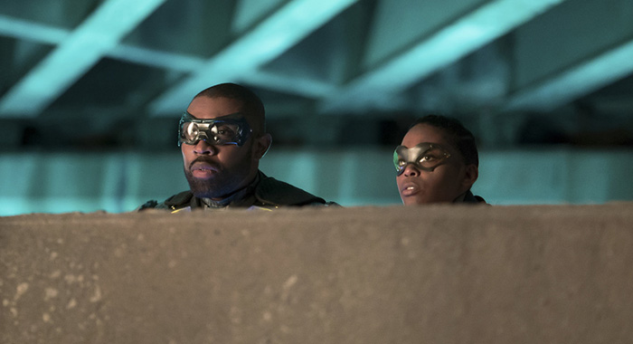 """Black Lightning -- """"The Book of Little Black Lies"""" -- Image BLK109b_0045b.jpg -- Pictured (L-R): Cress Williams as Black Lightning and Nafessa Williams as Thunder -- Photo: Annette Brown/The CW -- © 2018 The CW Network, LLC. All rights reserved."""