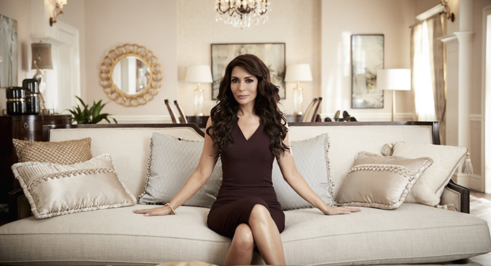 Riverdale -- Image Number: RVD01_AS_HERMIONE1_2487.jpg -- Pictured: Marisol Nichols as Hermione Lodge -- Photo: Art Streiber/The CW -- © 2017 The CW Network. All Rights Reserved