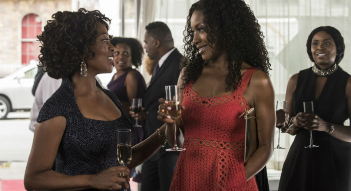 Marvel's Luke Cage SEASON Season 2 EPISODE 3 PHOTO CREDIT David Lee/Netflix PICTURED Alfre Woodard, Gabrielle Dennis