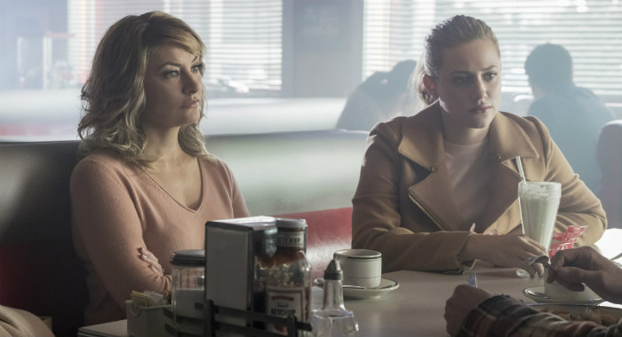"Riverdale -- ""Chapter Twenty-One: House of the Devil"" -- Image Number: RVD208a_0060.jpg -- Pictured (L-R): Madchen Amick as Alice Cooper and Lili Reinhart as Betty Cooper -- Photo: Katie Yu/The CW -- © 2017 The CW Network. All Rights Reserved"