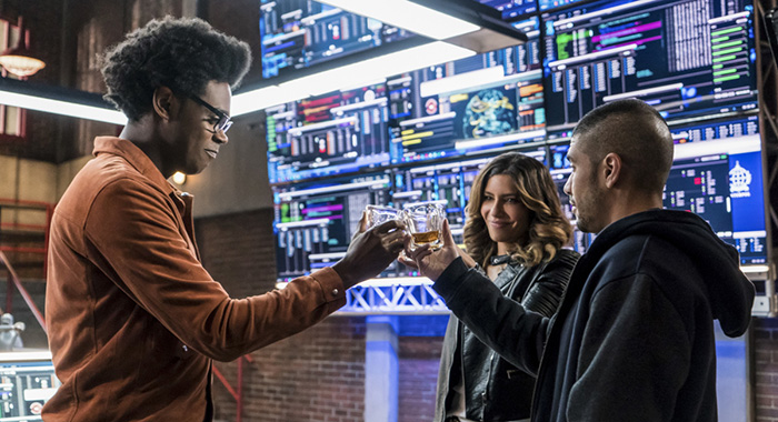 "Arrow -- ""Divided"" -- Image Number: AR610b_0056.jpg -- Pictured (L-R): Echo Kellum as Curtis Holt/Mr. Terrific, Juliana Harkavy as Dinah Drake/Black Canary and Rick Gonzalez as Rene Ramirez/Wild Dog -- Photo: Daniel Power/The CW"
