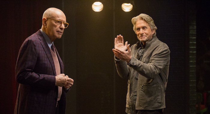 Alan Arkin and Michael Douglas of THE KOMINSKY METHOD (Mike Yarish/Netflix)
