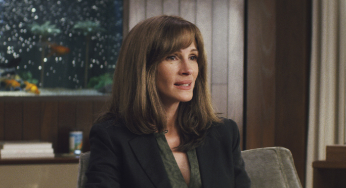 Homecoming season 1 stars Julia Roberts (Amazon Prime Video)