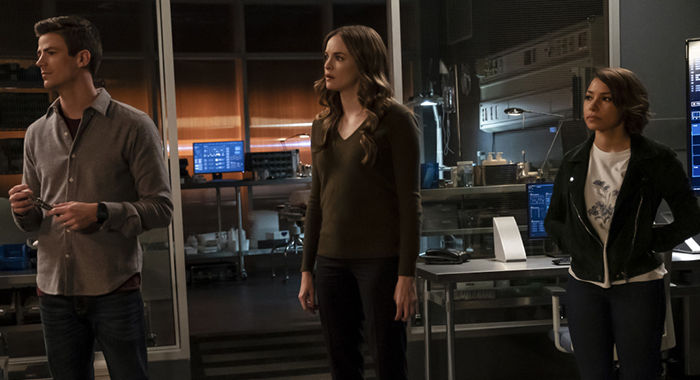 "The Flash -- ""What's Past is Prologue"" -- Image Number: FLA508a_0289bc.jpg -- Pictured (L-R): Grant Gustin as Barry Allen, Danielle Panabaker as Caitlin Snow and Jessica Parker Kennedy as Nora West - Allen -- Photo: Jeff Weddell/The CW"