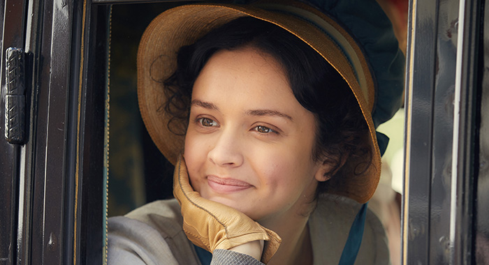 MAMMOTH SCREEN FOR ITV VANITY FAIR EPISODE 1 Pictured: OLIVIA COOKE as Becky Sharp. Photo Credit: Robert Viglasky/Amazon