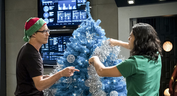 "The Flash -- ""Don't Run"" -- Image Number: FLA409b_0281b.jpg -- Pictured (L-R): Tom Cavanagh as Harrison Wells and Carlos Valdes as Cisco Ramon/Vibe -- Photo: Katie Yu/The CW"