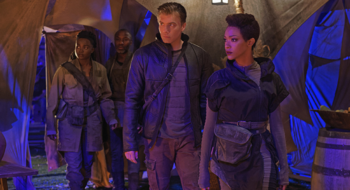 Ep #202 - Pictured (l-r): Oyin Oladejo as Joann Owosekun; Anson Mount as Captain Pike; Sonequa Martin-Green as Burnham of the CBS All Access series STAR TREK: DISCOVERY. Photo Cr: Ben Mark Holzberg/CBS