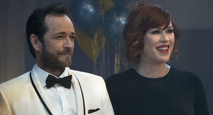 "Riverdale -- ""Chapter Eleven: To Riverdale and Back Again"" -- Image Number: RVD111a_0181.jpg -- Pictured (L-R): Luke Perry as Fred Andrews and Molly Ringwald as Mary Andrews -- Photo: Katie Yu/The CW"