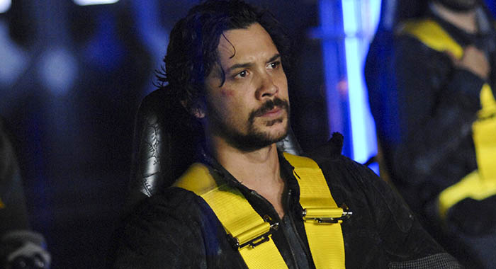 "The 100 -- ""Sanctum"" -- Image Number: HU601a_0121r.jpg -- Pictured: Bob Morley as Bellamy -- Photo: Sergei Bachlakov/The CW"