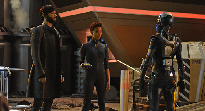 ÒSuch Sweet Sorrow, Part 2Ó -- Ep#214 -- Pictured (l-r): Ethan Peck as Spock; Sonequa Martin-Green as Burnham of the CBS All Access series STAR TREK: DISCOVERY. Photo Cr: John Medland/CBS ©2018 CBS Interactive, Inc. All Rights Reserved.