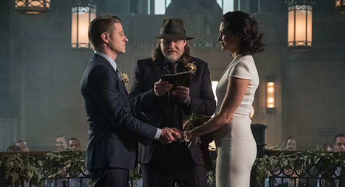 "GOTHAM: L-R: Ben McKenzie, Donal Logue and Morena Baccarin in the ""The Trial of Jim Gordon"" episode of GOTHAM airing Thursday, March 7 (8:00-9:00 PM ET/PT) on FOX. ©2019 Fox Broadcasting Co. Cr: Jeff Neumann/FOX"