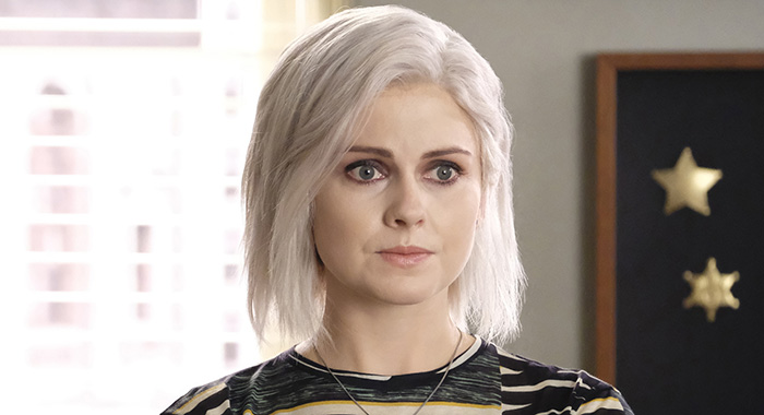 "iZombie -- ""Thug Death"" -- Image Number: ZMB501a_0494b2.jpg -- Pictured (L-R): Rose McIver as Liv and Aly Michalka as Peyton -- Photo Credit: Bettina Strauss/The CW"