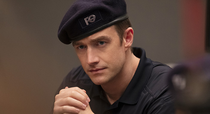 "iZombie -- ""Dead Lift"" -- Image Number: ZMB502b_0253b.jpg -- Pictured: Robert Buckley as Major -- Photo Credit: Michael Courtney/The CW"