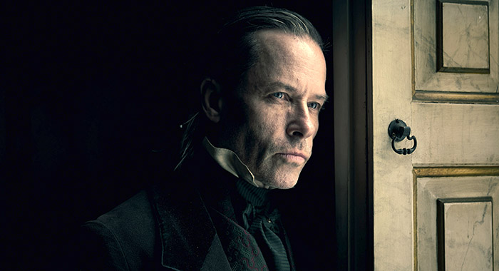 A CHRISTMAS CAROL -- Pictured: Guy Pearce as Ebenezer Scrooge. CR: Robert Viglasky/FX