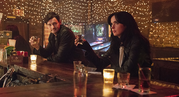 Benjamin Walker and Krysten Ritter in Marvel's Jessica Jones (Netflix)