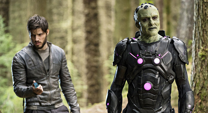 "KRYPTON -- ""Light-Years From Home"" Episode 201 -- Pictured: (l-r) Cameron Cuffe as Seg-El, Blake Ritson as Brainiac -- (Photo by: Steffan Hill/SYFY)"