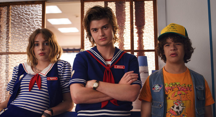 Stranger Things SEASON Season 3 PHOTO CREDIT Netflix PICTURED Maya Hawke, Joe Keery, Gaten Matarazzo