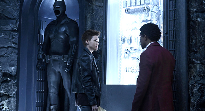 "Batwoman -- ""Pilot"" -- Image Number: BWN101e_0193.jpg -- Pictured (L-R): Ruby Rose as Kate Kane and Camrus Johnson as Luke Fox -- Photo: Kimberley French/The CW"