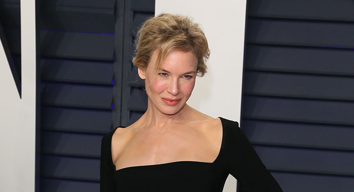 Renee Zellweger arrives for the 2019 Vanity Fair Oscar Party at the Wallis Annenberg Center for the Performing Arts on February 24, 2019 in Beverly Hills, California. (Photo by Jean-Baptiste LACROIX / AFP) (Photo credit should read Jean-Baptiste Lacroix/AFP/Getty Images)