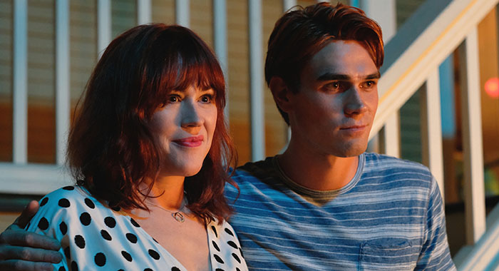 "Riverdale -- ""Chapter Fifty-Eight: In Memoriam"" -- Image Number: RVD401b_0311.jpg -- Pictured (L-R): Molly Ringwald as Mary Andrews and KJ Apa as Archie -- Photo: Robert Falconer/The CW"