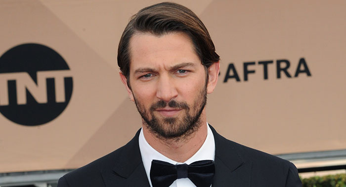 Michiel Huisman at arrivals for 22nd Annual Screen Actors Guild Awards (SAG) - ARRIVALS 1, Shrine Auditorium, Los Angeles, CA January 30, 2016. Photo By: Elizabeth Goodenough/Everett Collection