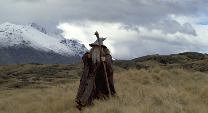 THE LORD OF THE RINGS: FELLOWSHIP OF THE RING, Ian McKellen, 2001 (New Line Cinema; courtesy Everett Digital)