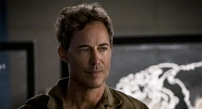 "The Flash -- ""Marathon"" -- Image Number: FLA610b_0225b.jpg -- Pictured: Tom Cavanagh as Nash Wells -- Photo: Katie Yu/The CW -- © 2020 The CW Network, LLC. All Rights Reserved."